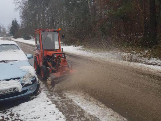 Agria 4800/2 bin Schnee fegen