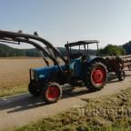Eicher 3351 mit Gummiwagen